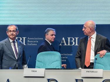 Banche, Buffagni: «No alla fusione Carige-Mps, sì al terzo polo» foto 2