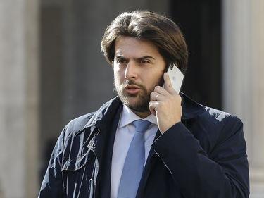 Banche, Buffagni: «No alla fusione Carige-Mps, sì al terzo polo» foto 1