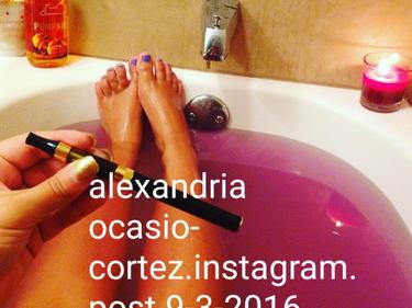 La bufala sul nudo di Alexandria Ocasio-Cortez foto 1