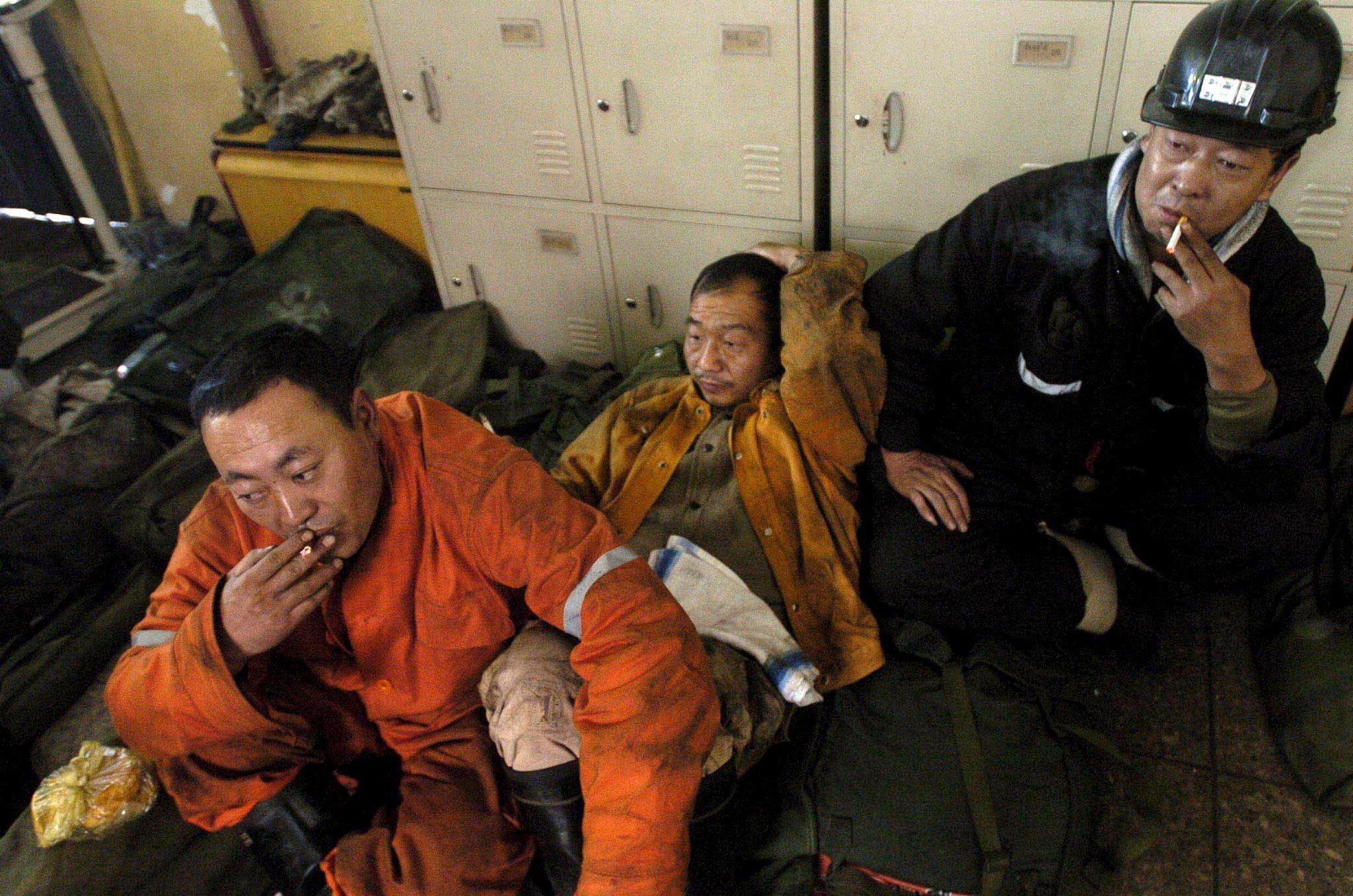Cina: crolla una miniera, 21 operai morti nel nordest del paese foto 1