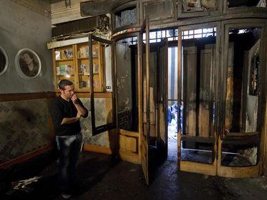 Napoli, bomba contro la pizzeria Sorbillo: «Un attacco alla legalità e alla Napoli che ci crede» foto 1