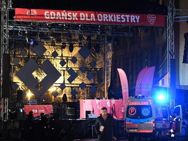 Polonia, morto il sindaco di Danzica accoltellato durante un concerto foto 1