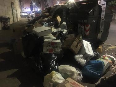 Rifiuti a Roma, alcune scuole ancora sporche: è rischio caos foto 1