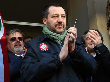 «Salvini e i suoi accessori»: le illustrazioni satiriche di Stefano Tartarotti foto 2