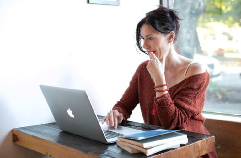 profili di esempio per siti Web di incontri uscire amico di mia moglie