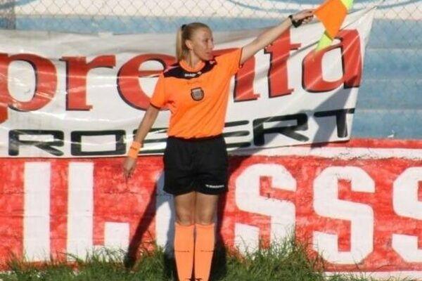 Donne e calcio, in Argentina un tifoso ha lanciato acqua bollente contro una guardalinee foto 1