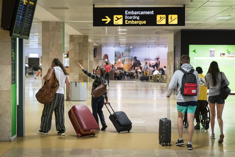 Coronavirus, dal mondo – l'Ad di Ryanair: «Lo stop al bagagl