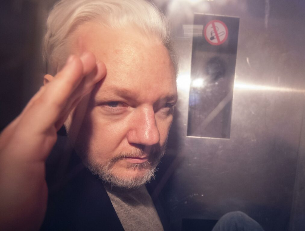 Risultato immagini per Julian Assange