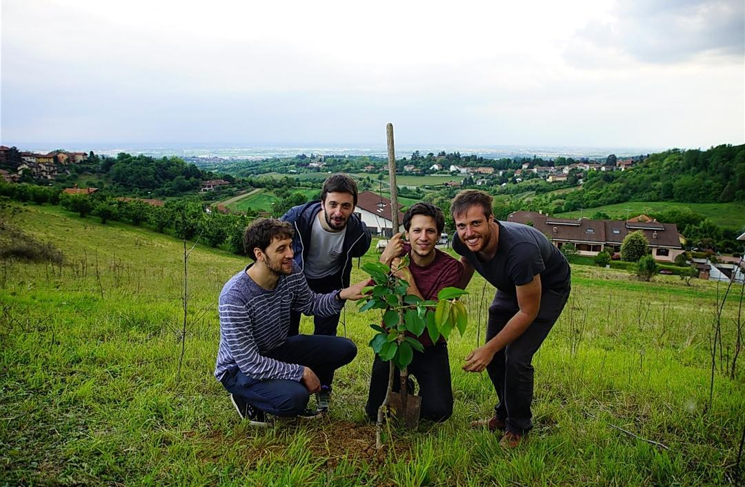 interviste emergenti Interviste emergenti: Eugenio in Via Di Gioia, la strada è lo spartito - Torino