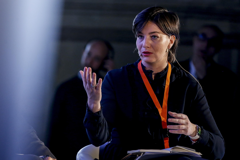 Caso Mensa dei poveri | a processo l'ex eurodeputata Lara Comi e altri 60 per tangenti e appalti pilotati