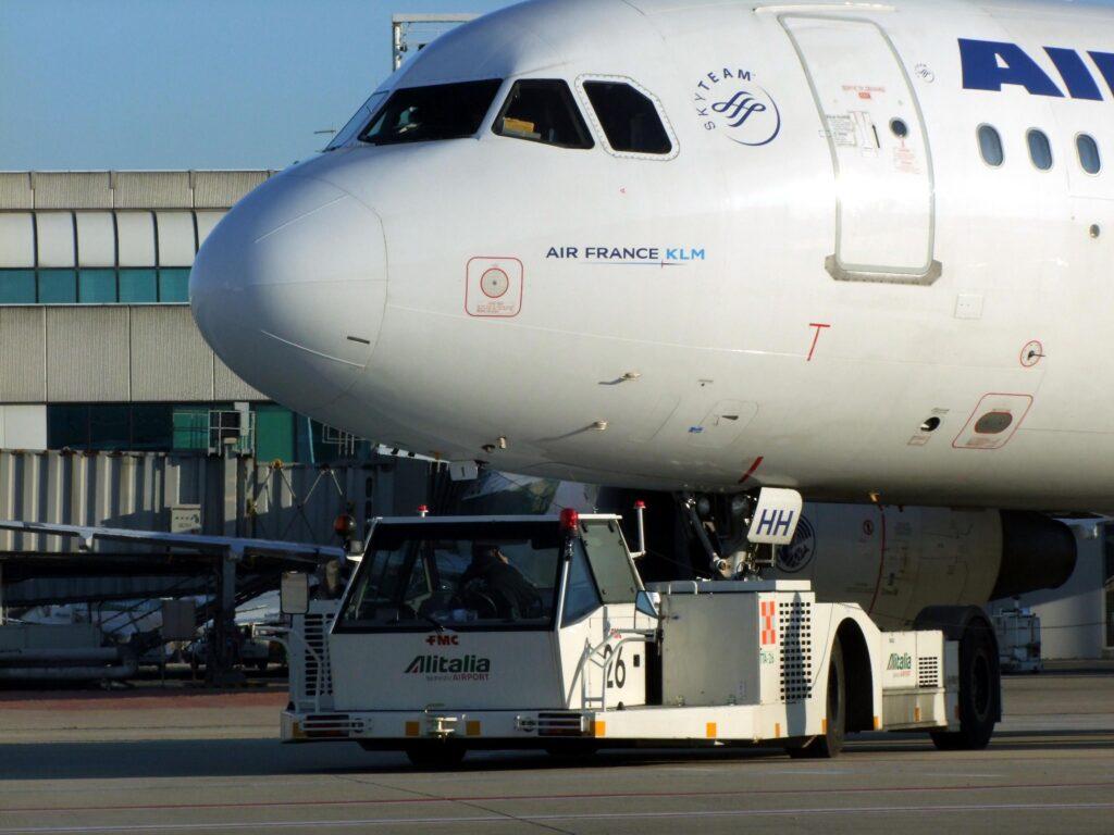 Francia, corpo di un bimbo in un carrello aereo da Costa d'Avorio