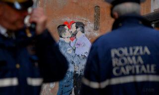 salvini-di-maio-baciano-tvboy