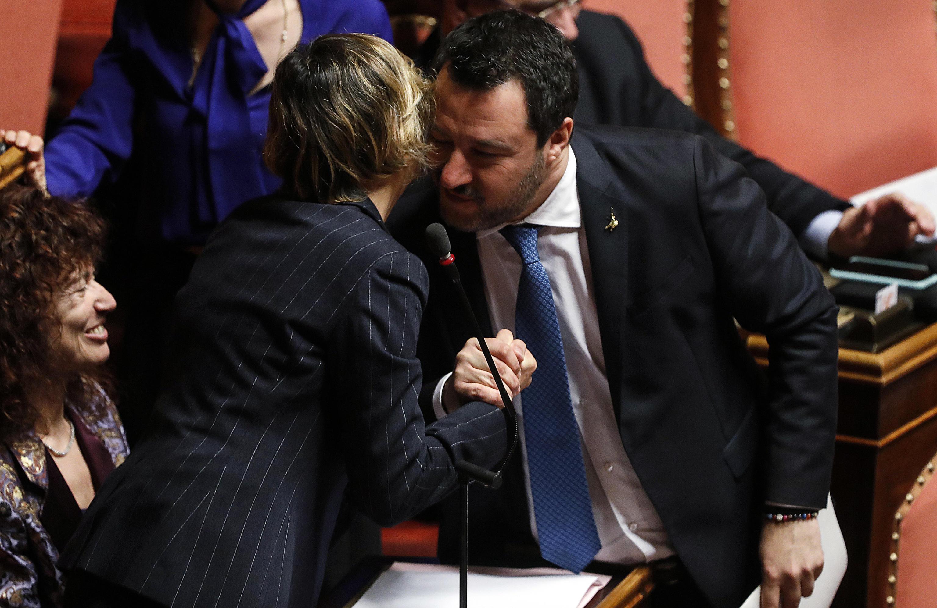 Ciro Grillo, nei verbali dei 4 indagati lo stupro diventa un'orgia consenziente. E c'è un terzo video