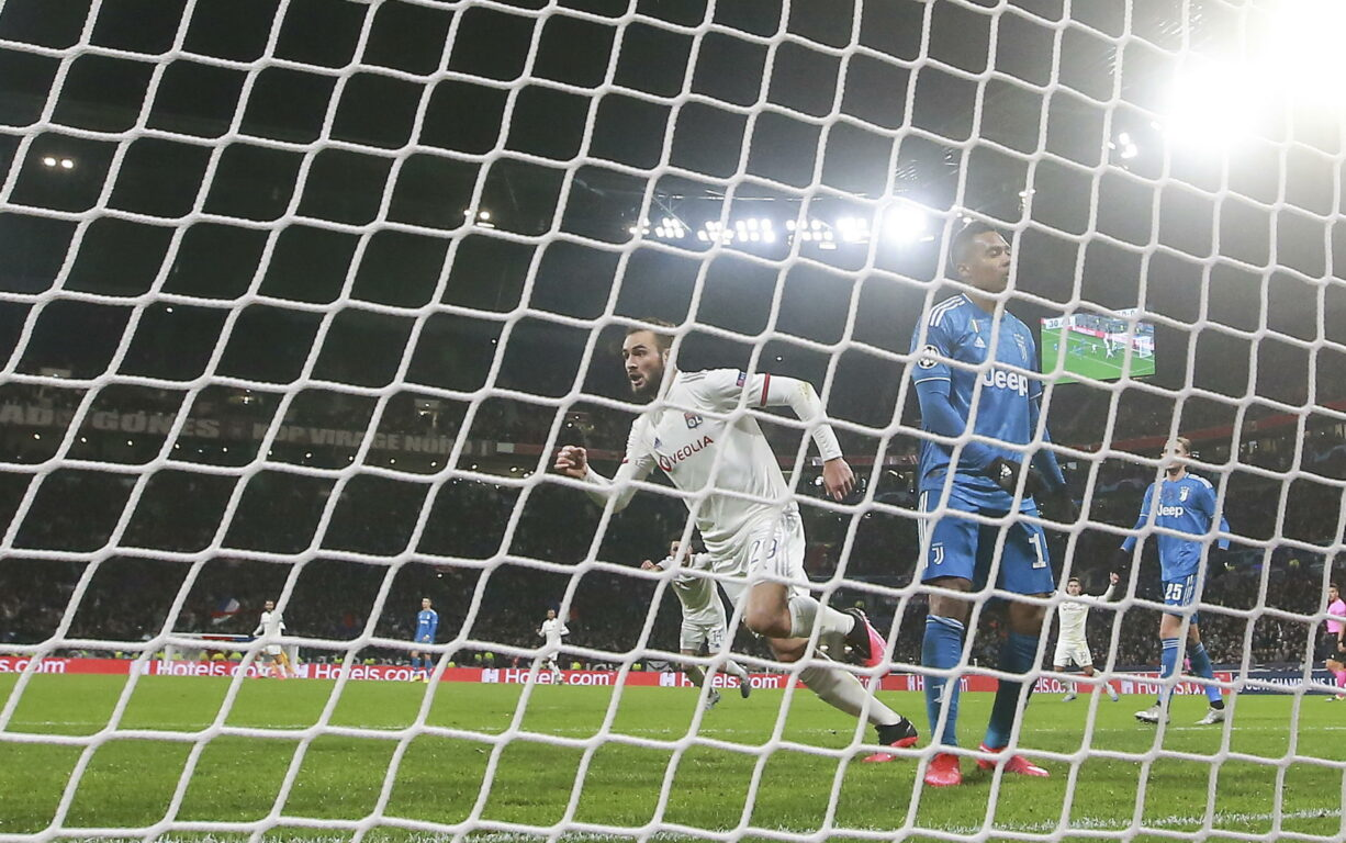 Champions League, primo tempo da dimenticare: la Juve cade 1