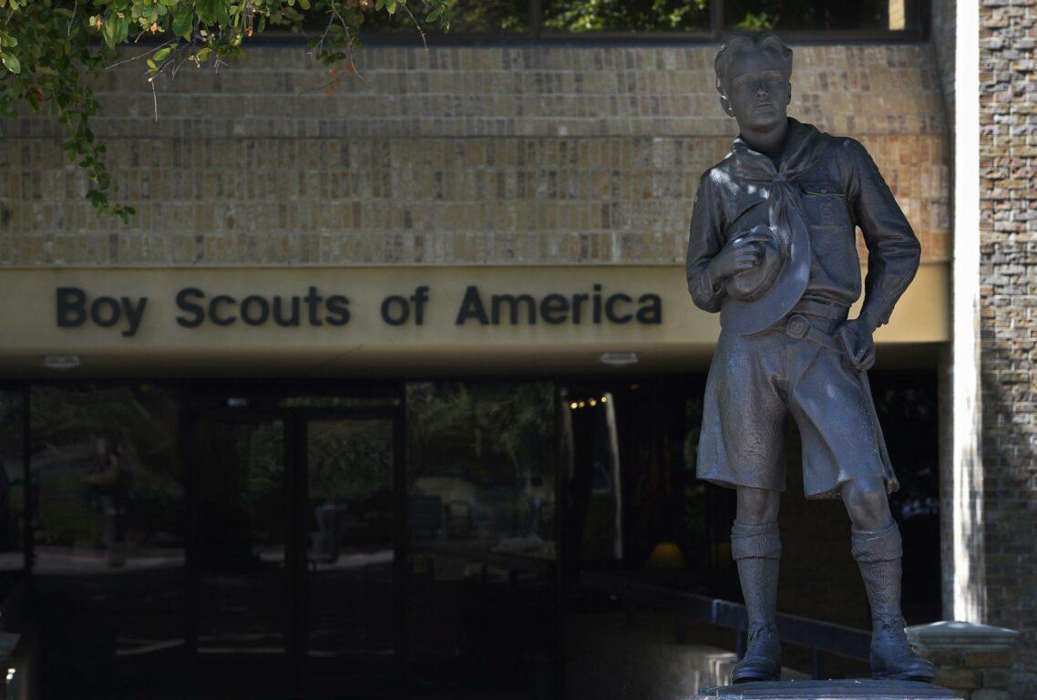 Pedofilia, Boy Scout Usa dichiarano bancarotta dopo le accuse di abusi
