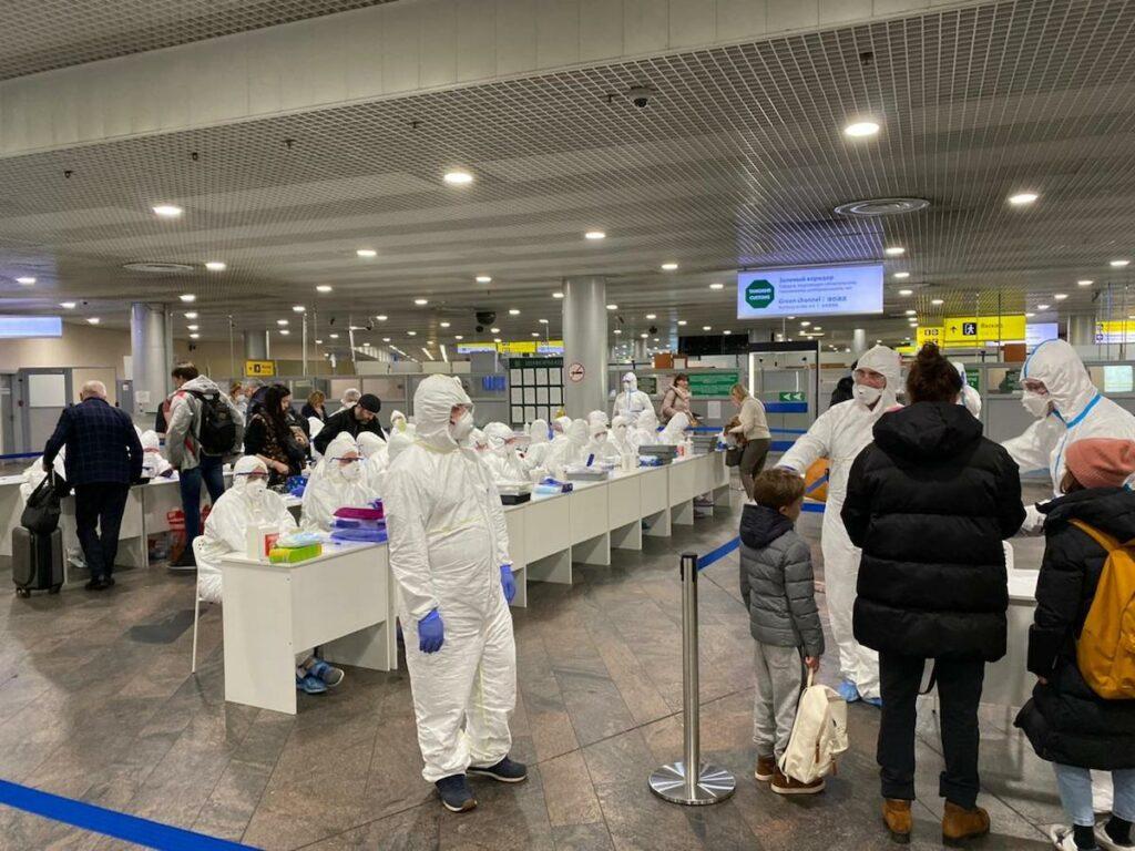 Coronavirus, l'ordinanza di Trasporti e Salute: chi entra ne