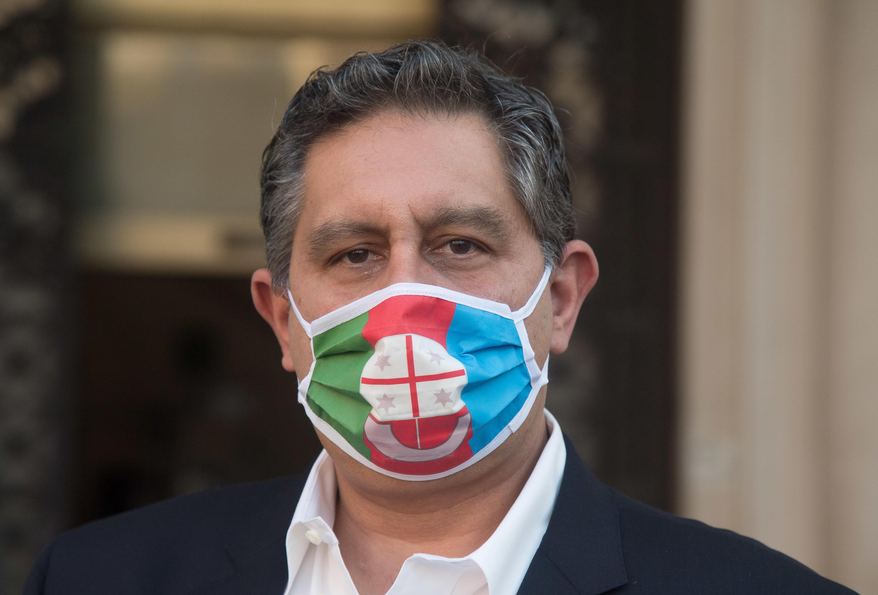 La denuncia di Toti: «A Roma pensano a salvare le poltrone mentre qui non arrivano vaccini»