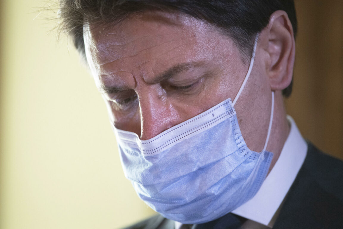 Coronavirus: M5S, 'in Ue trattativa dura ma passi avanti, fiducia in Conte'