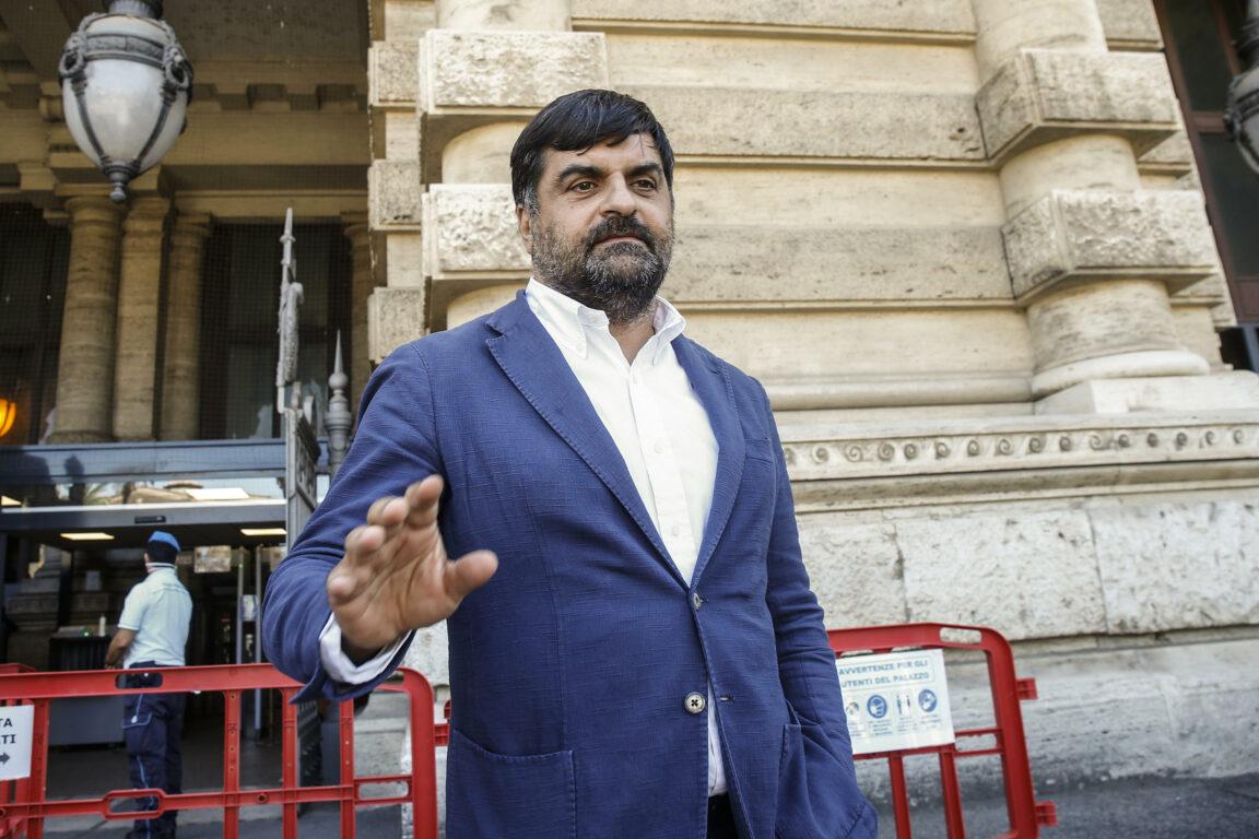 Csm | l'ex magistrato Palamara rinviato a giudizio per corruzione. Il 15 novembre il processo a Perugia