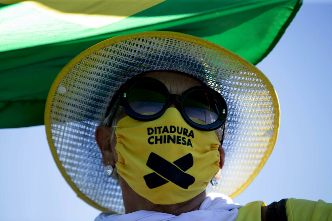 Coronavirus, tutte le notizie della notte – Bolsonaro ha i s