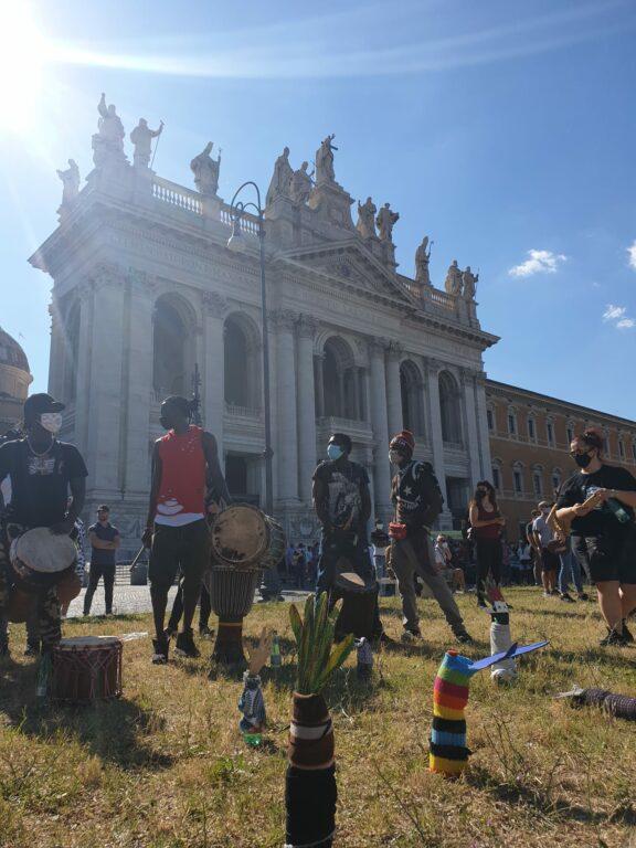 Stati popolari, gli invisibili in piazza a Roma: l'urlo di p