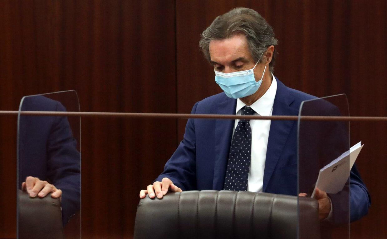 Attilio Fontana indagato per autoriciclaggio e falsa dichiarazione. E la Lombardia resta zona rossa