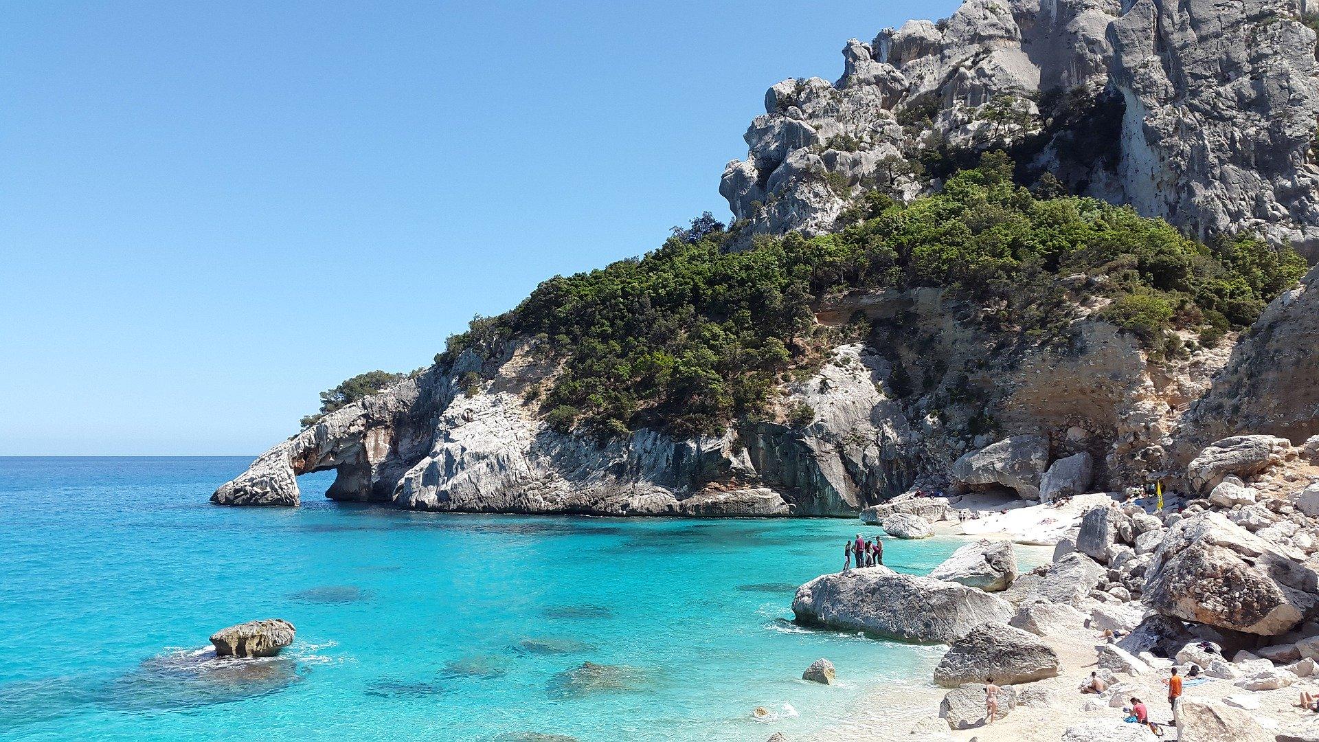 Sardegna, ancora cemento sulle coste? La nuova legge preoccupa gli ...