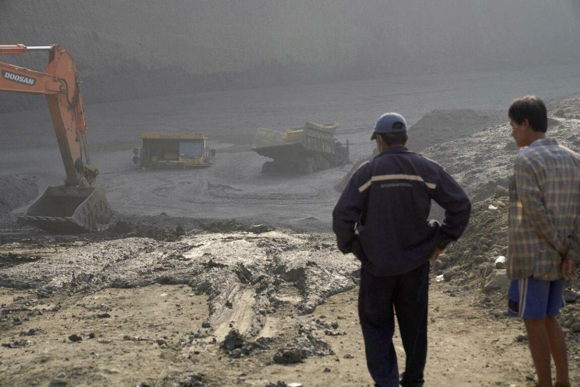 Frana in miniera di giada in Myanmar, si temono oltre 100 vittime