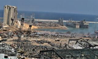 Una città in ginocchio: le immagini di Beirut dopo l'esplosione al porto – la gallery