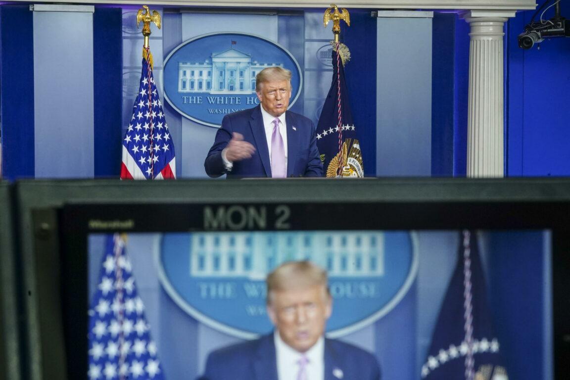 Coronavirus, gli Usa superano i 164mila morti e i 5 milioni di contagi, Trump: «Calano da noi e aumentano in Ue». In Brasile 52mila nuovi casi – Tutte le notizie della notte