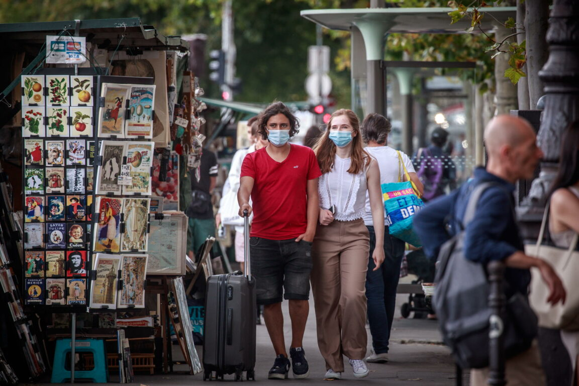 Lo spettro del lockdown spaventa i mercati. Milano chiude a  3,8%, tonfo di Wall Street