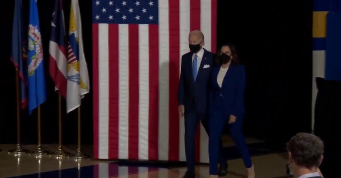 Biden e Harris nella loro prima apparizione insieme: «Combattente collaudata per la middle class»