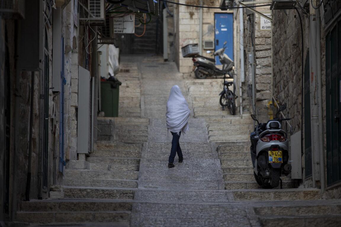 Israele, lockdown più di un mese. Netanyahu: