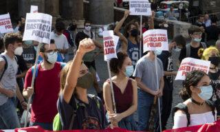 Il corteo degli studenti romani al Pantheon