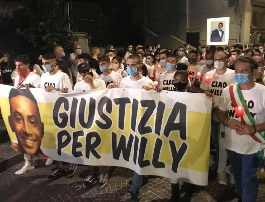 Giustizia per Willy», la fiaccolata per il 21enne pestato e ucciso a  Colleferro - Le immagini - Open