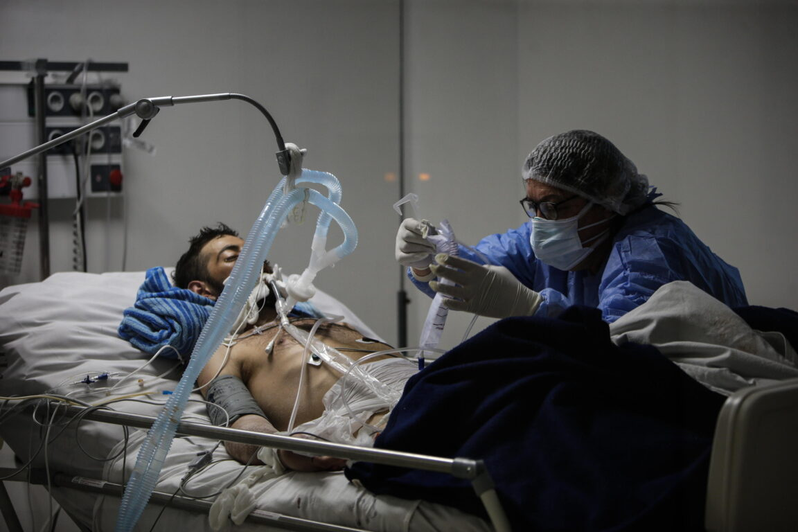 Un paziente Covid in un ospedale di Buenos Aires, Argentina