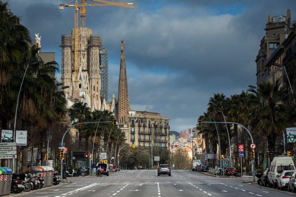 Barcellona semi deserta in piena seconda ondata Covid-19