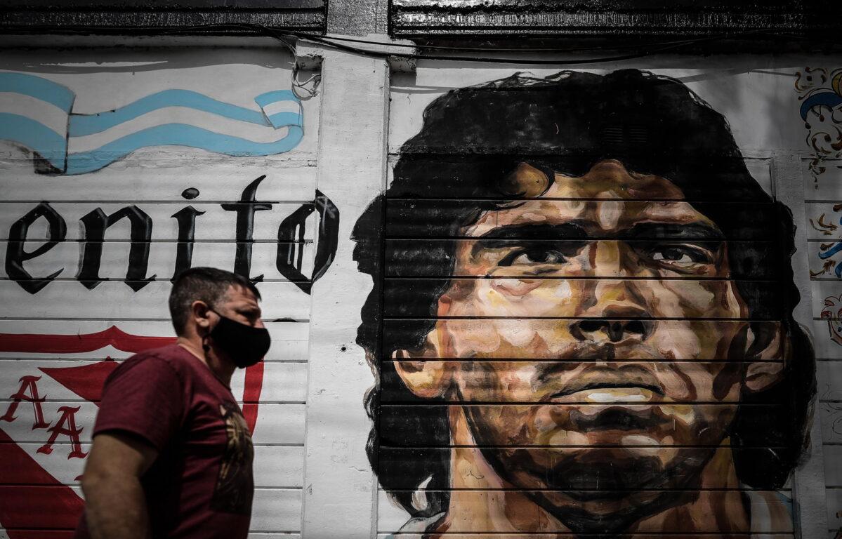 Diego Armando Maradona muore a 60 anni per arresto cardiaco