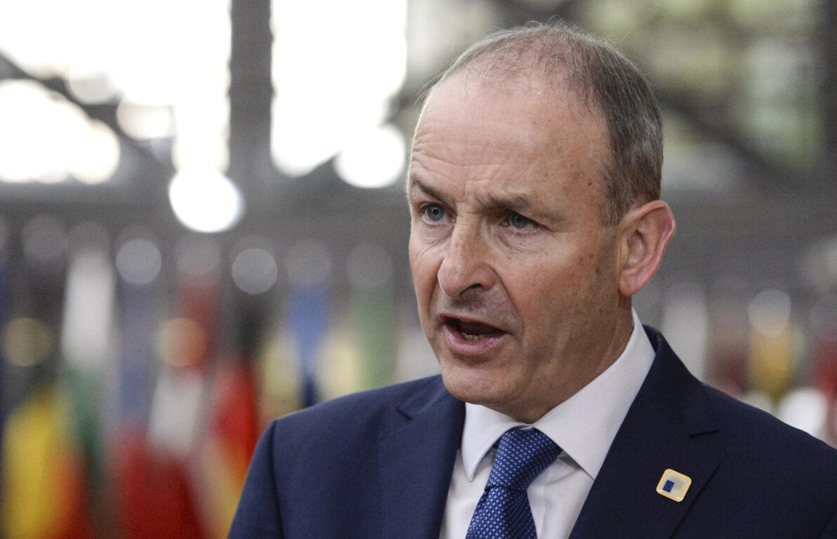 Coronavirus, l'Irlanda è il primo Paese Ue in lockdown: sei settimane di stop, aperte solo scuole e attività essenziali. Oms: «Oggi numeri alti per i mancati isolamenti dei contatti con i positivi»