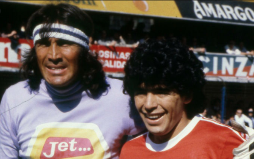 Hugo Gatti e Diego Armando Maradona prima di un Boca Juniors - Argentinos Juniors del 1980
