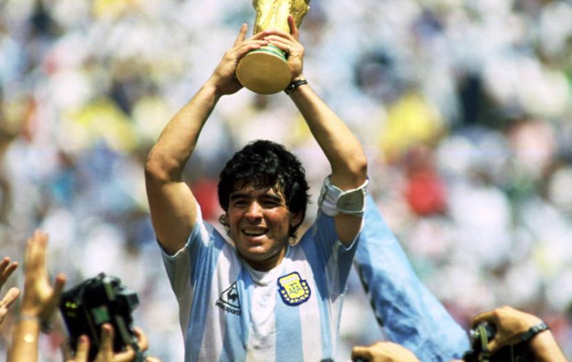 Maradona solleva la Coppa del mondo, Città del Messico, 29 giugno 1986