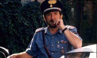 Gigi Proietti nei panni del Maresciallo Rocca nell'omonima fiction Rai  del 1996