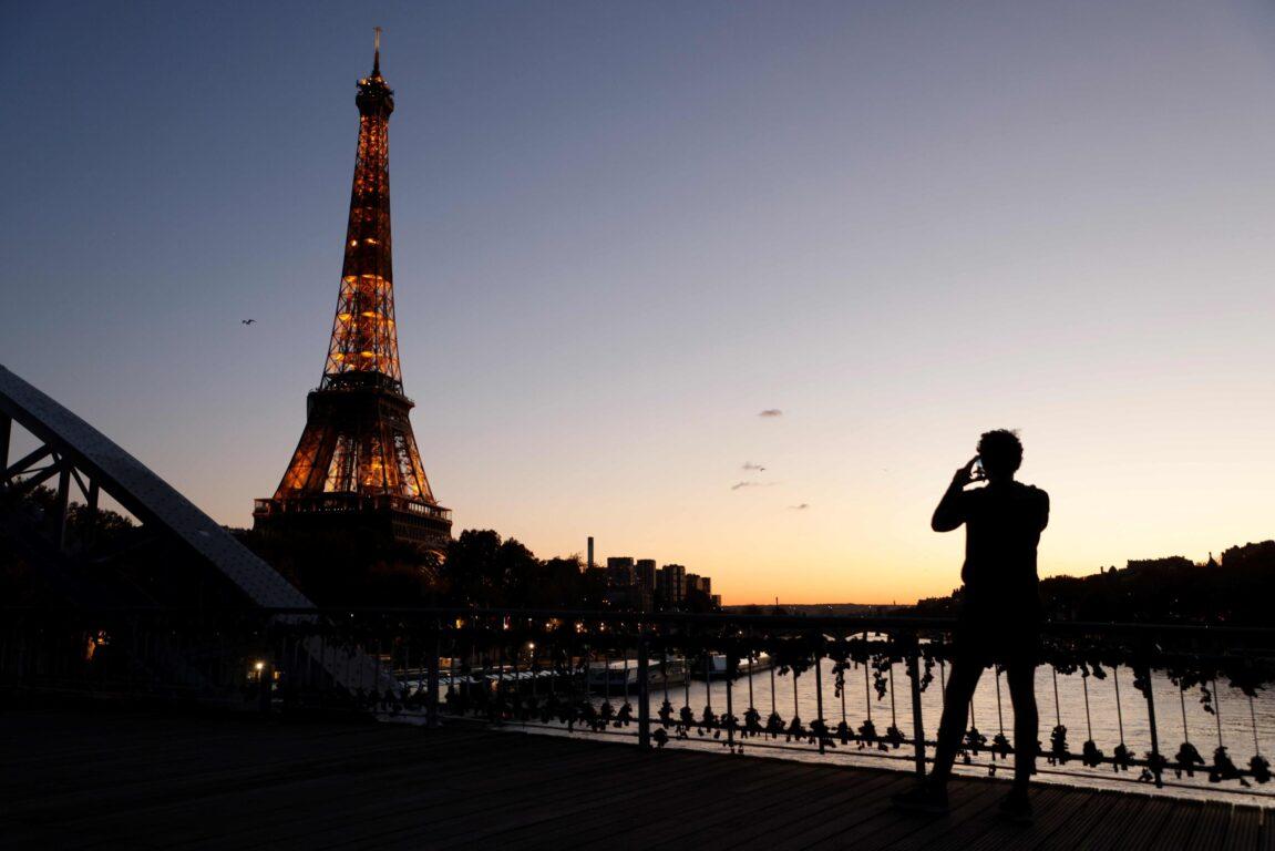 Covid in Francia, altri 15 giorni di lockdown