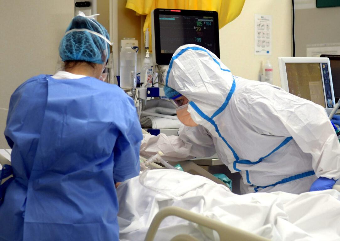 Monitoraggio Gimbe | contagi raddoppiati in 7 giorni. Ora a salire sono anche i ricoveri nelle terapie intensive