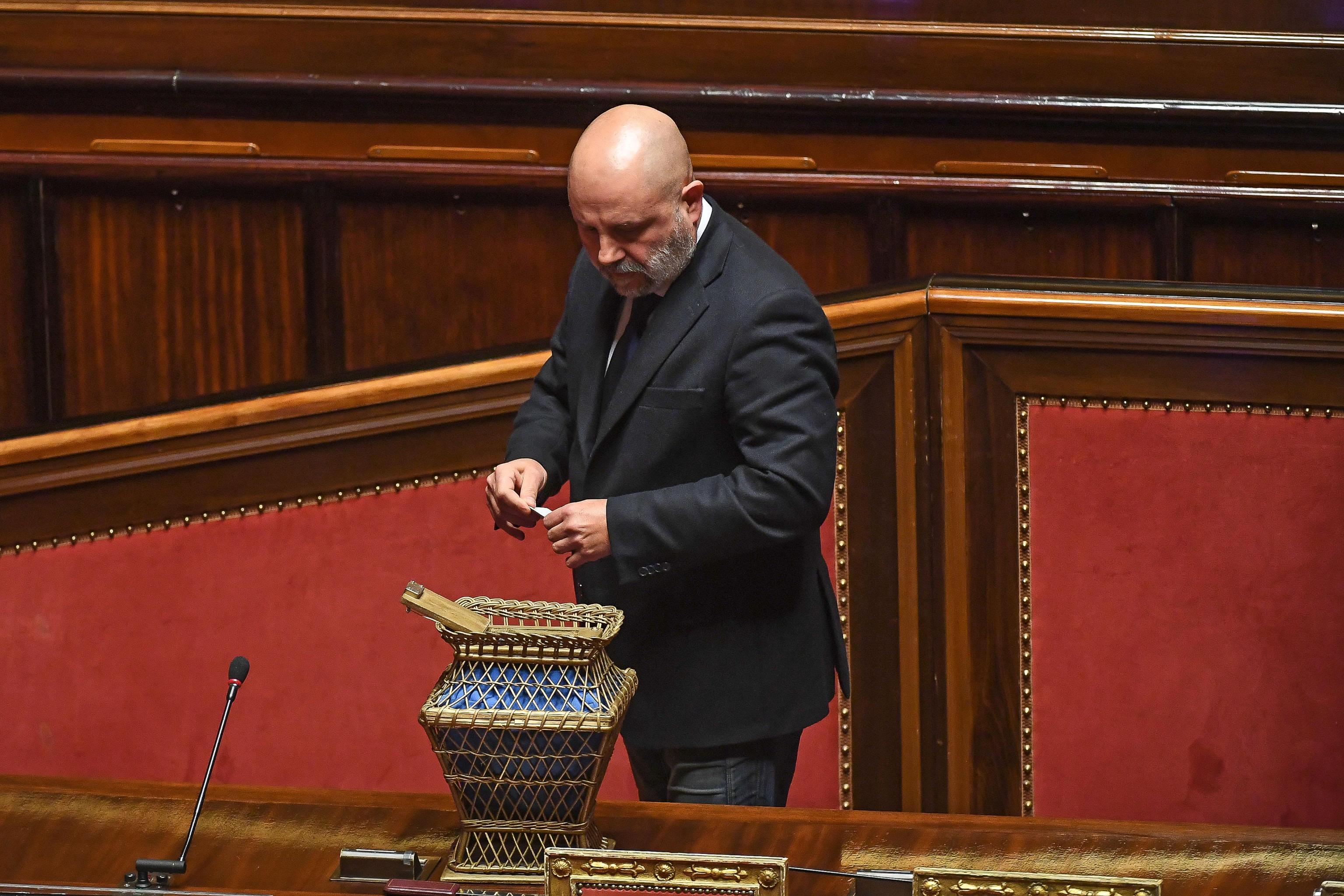 Crisi di governo, il Cinquestelle Dessì: «Cesa indagato? Fatto personale, ancora pronti ad accogliere i senatori Udc» – L'intervista