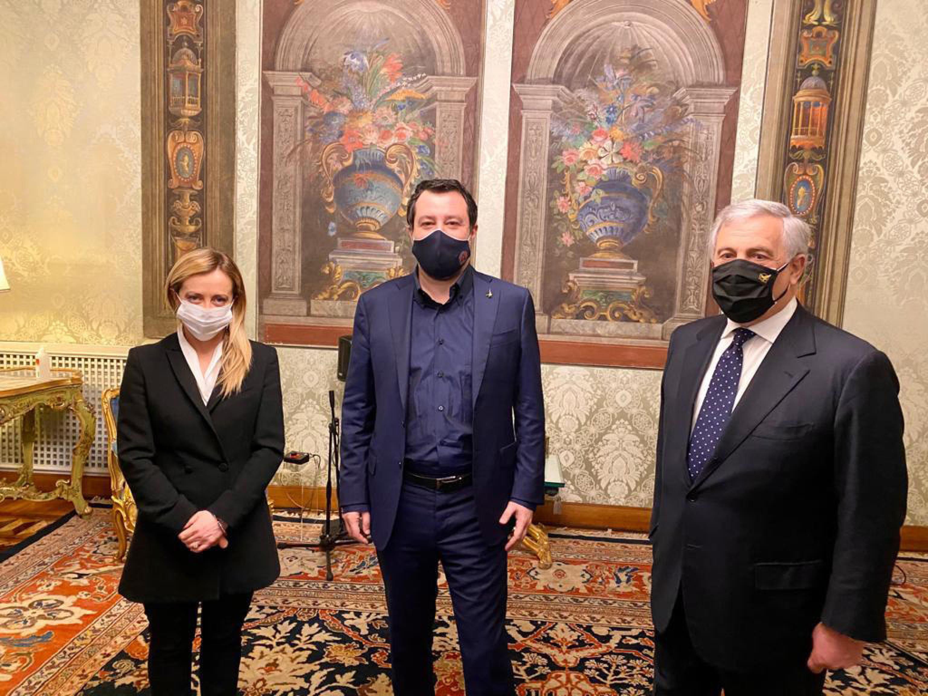 Crisi di governo, il centrodestra a colloquio da Mattarella: «Non si può lavorare con questo Parlamento»
