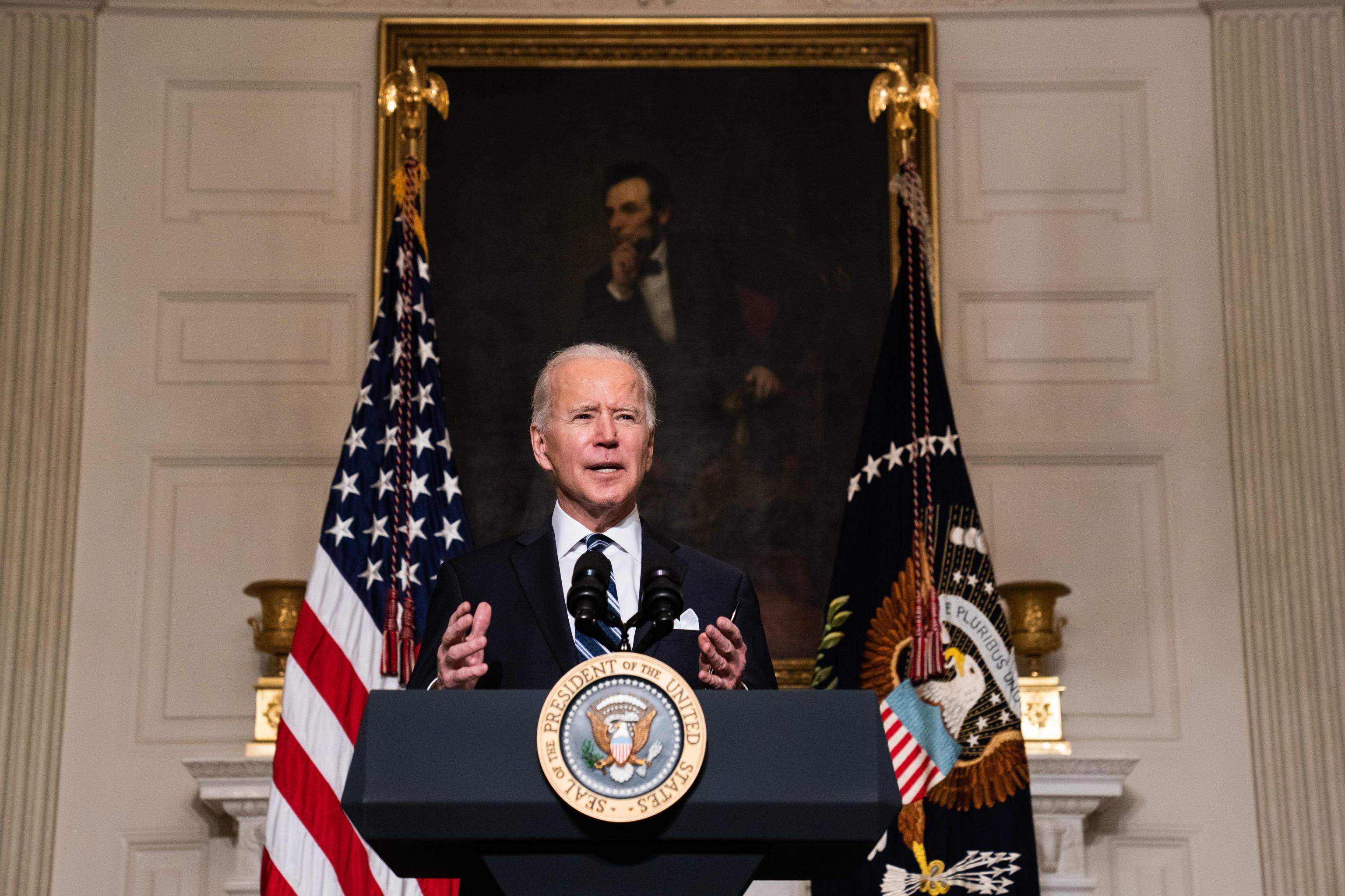 Usa, Biden sospende (temporaneamente) la vendita di armi e caccia F-35 ad Arabia Saudita ed Emirati Arabi