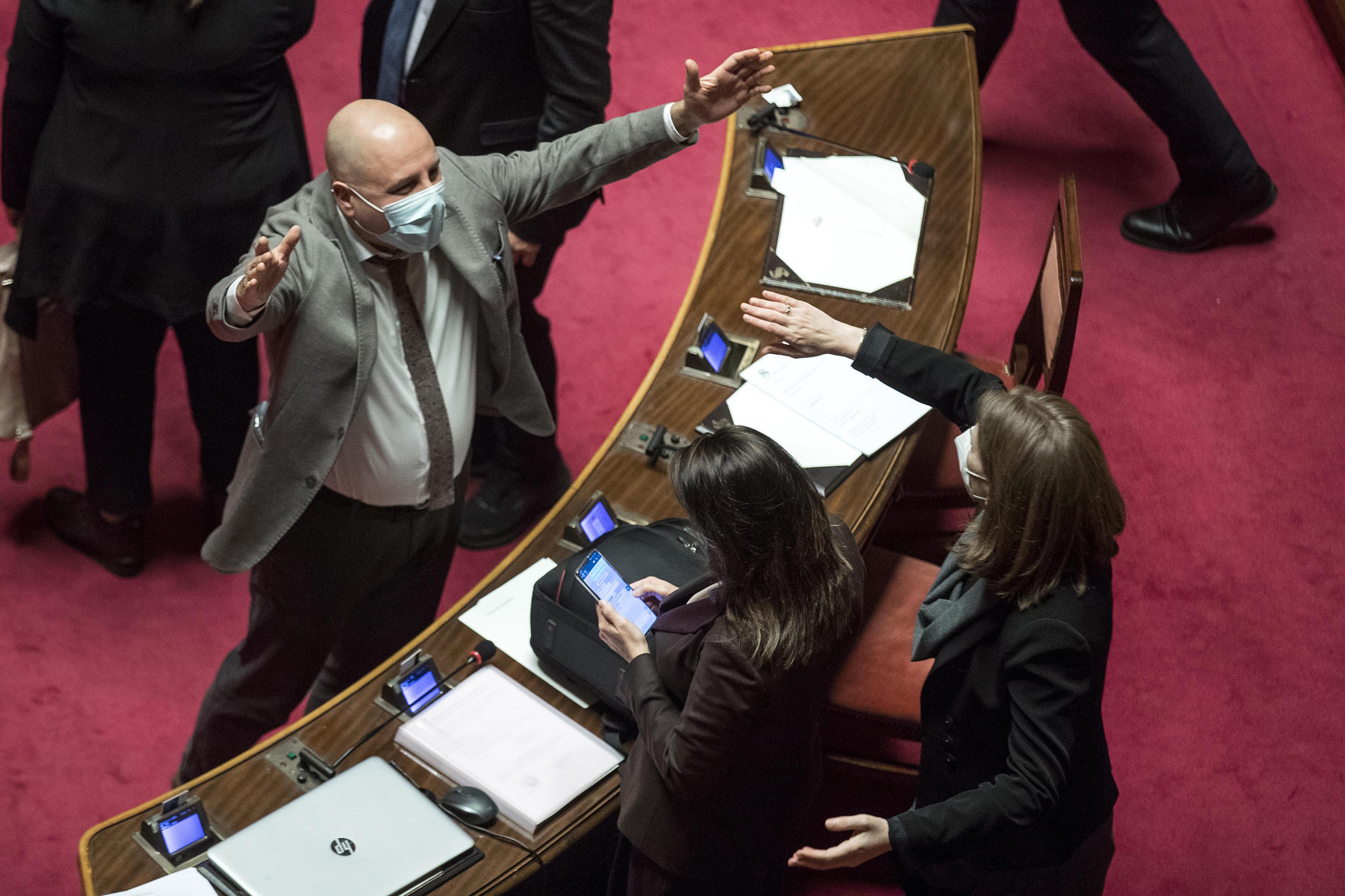 La pattuglia in crescita dei responsabili: chi sono i senatori da ieri in maggioranza e chi sta per aggiungersi