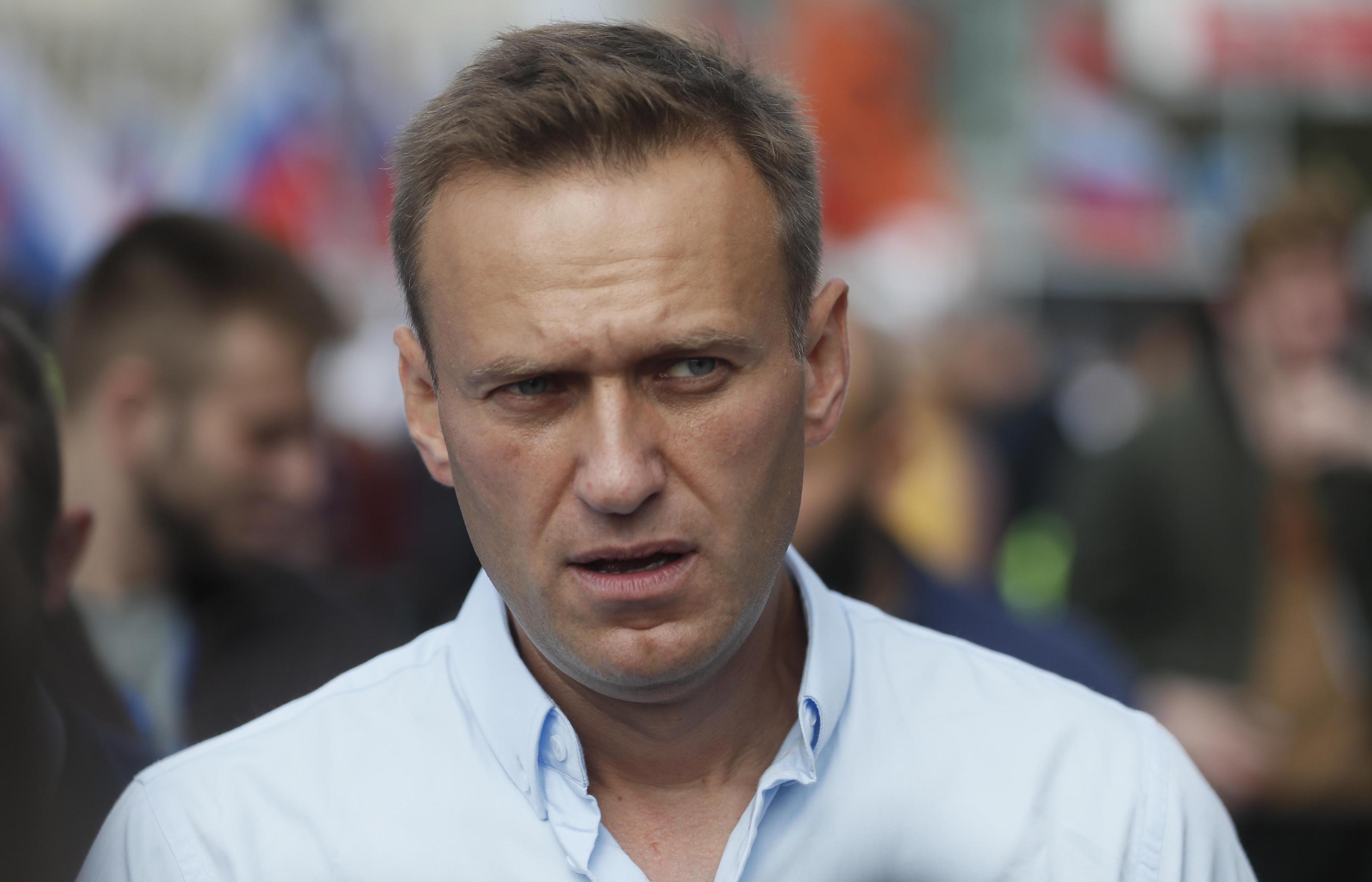 Alexei Navalny torna in Russia per la prima volta dopo l'avvelenamento. Ora rischia di essere arrestato