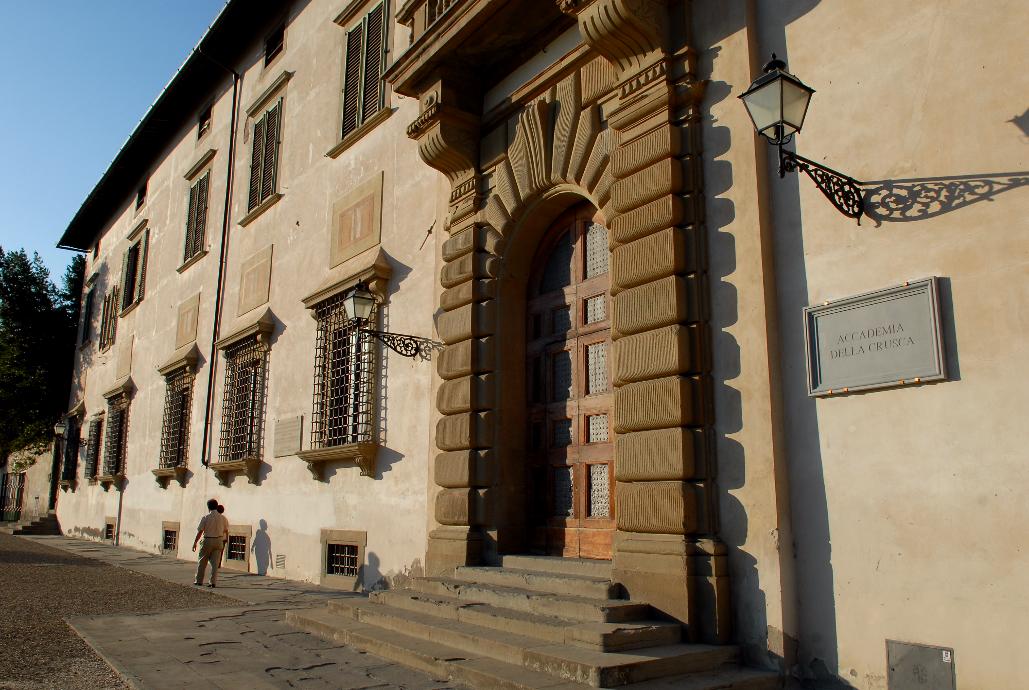 L'Accademia della Crusca rilancia: il distanziamento? «Fisico», non «sociale»